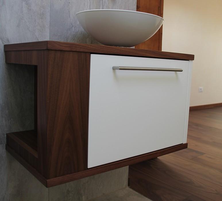 pflegen bad holztraum. Black Bedroom Furniture Sets. Home Design Ideas
